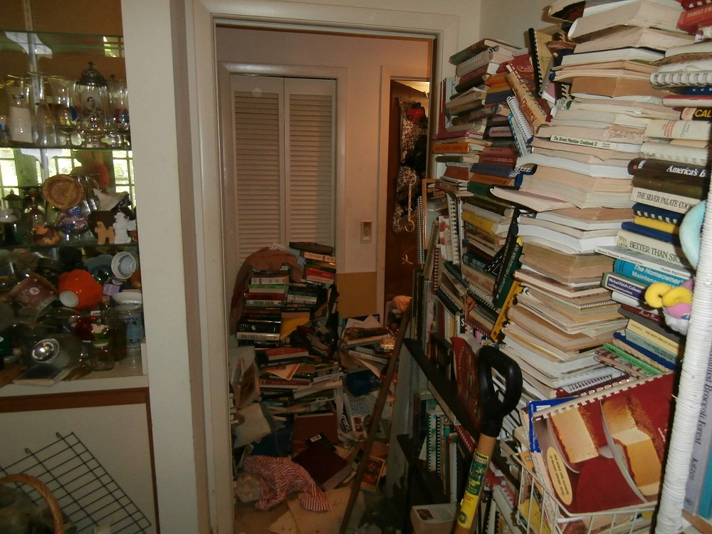 5 Stages of Hoarding Explained