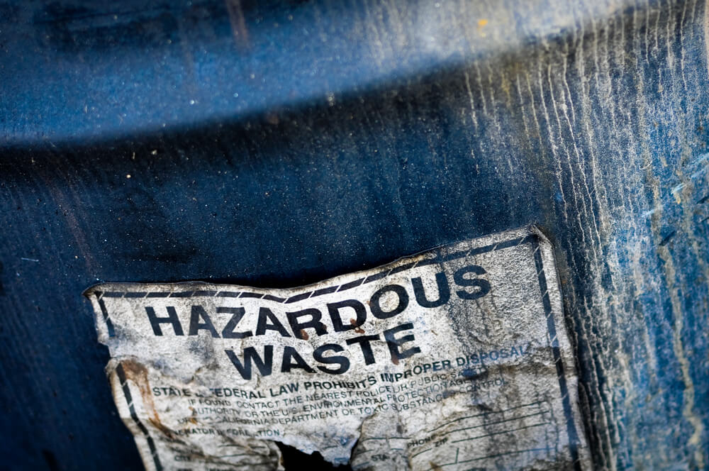 4 Types of Hazardous Waste and How to Handle it Properly